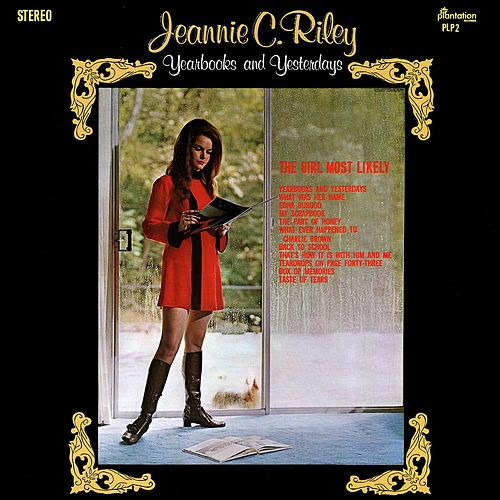 Yearbooks And Yesterdays von Jeannie C. Riley