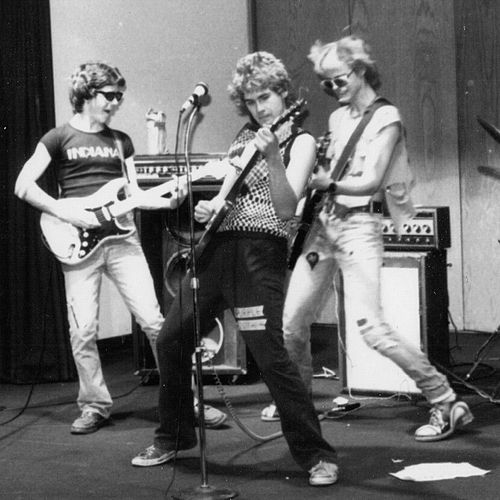 Go to Purdue Live 1979 by The Gizmos