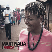 Em África by Mart'nália