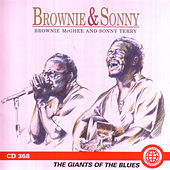 The Giants of the Blues [Smithsonian] by Brownie McGhee