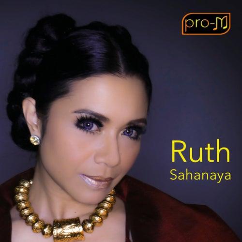Derita Kesayanganku by Ruth Sahanaya