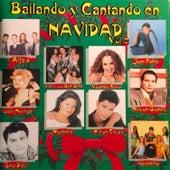 Bailando y Cantando en Navidad by Various Artists
