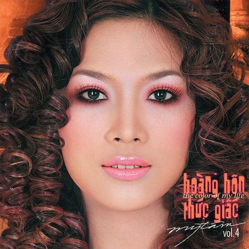 Hoang Hon Thuc Giac (Vol. 4) by My Tam