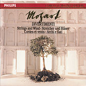 Mozart: Divertimenti for Strings & Wind (5 CDs, Vol.4 of 45) by Academy Of St. Martin-In-The-Fields Chamber Ensemble