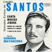 Grandes Exitos de Daniel Santos by Daniel Santos