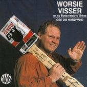 Gee die hond wind by Worsie Visser
