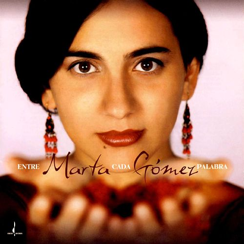 Entre Cada Palabra by Marta Gomez
