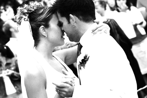 Love Is in the Air: 50 First Dance Wedding Songs
